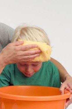 اسهال و استفراغ در کودکان