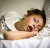 دلایل خروپف در خواب و روش درمان آن از خانه تا تیغ جراحی