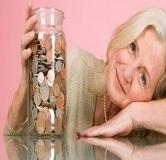 زنان نسبت به مردان نیاز به پس انداز بیشتری برای دوره بازنشستگی دارند.