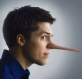 چرا شوهرم دروغ می گوید؟ با شوهر دروغ گو چه کنم؟