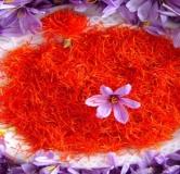 ۶ ماسک زعفران عالی خانگی برای داشتن پوستی بیعیب و شاداب