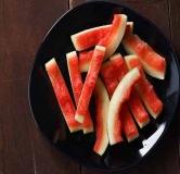 ۷ مورد شگفتانگیز از فواید خوردن پوست هندوانه در درمان بیماریهای مختلف