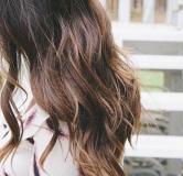 ۱۰ طرز تهیه نرم کننده مو خانگی برای رفع مشکلات مو (خشکی، وزی مو و …)