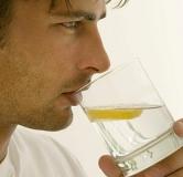۱۳ تا از فواید آبجوش صبح ناشتا که در درمان بیماریهای مختلف حیرتانگیز است