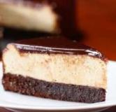 طرز تهیه چیز کیک با گاناش و پایه براونی شکلاتی