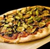 پیتزا کدو سبز و پیازچه