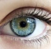 دستورالعمل تغییر رنگ چشم با عسل و رژیم غذایی حاوی این ۸ ماده خوراکی