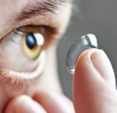 روش گذاشتن و دراوردن لنز چشمی + نکاتی مفید برای نگهداری از لنز