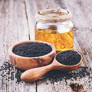 ۶ روش عالی استفاده از سیاه دانه و روغن سیاه دانه برای رشد موی سر ، ریزش و طاسی